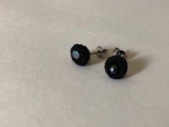 ピアス / black 淡水パール 小花の画像