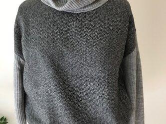 ハイネックセーターの画像