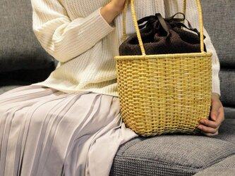 皮籐のかごバッグ(内袋/茶、えんじ、ブラック)の画像