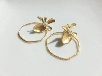 flower hoop -gold-の画像