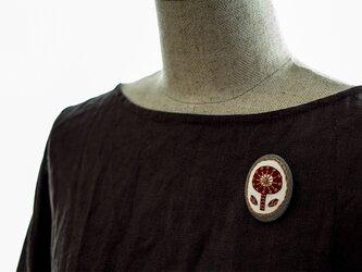 トラッドガールのボタニカル刺繍ブローチの画像