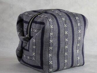 ハヌヌオ族 伝統手織物Tapisのサイコロ・ポーチB(裏地:パープル ファスナー:シルバー)の画像