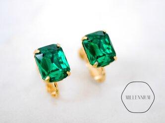 ヴィンテージスワロフスキースタッドピアス/イヤリング emeraldの画像