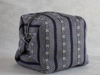 ハヌヌオ族 伝統手織物Tapisのサイコロ・ポーチ D(裏地:オレンジ ファスナー:シルバー)の画像