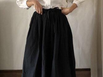 ギャザーたっぷり ロング スカート〈black〉の画像