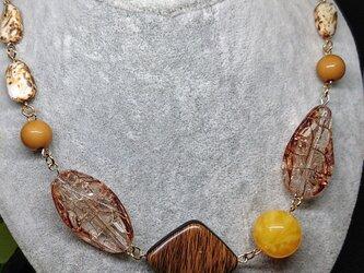 秋日和         (和み色のネックレス)の画像