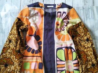 アフリカ布と古着でトップスの画像