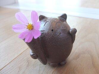 花瓶付き招き猫の置物 備前焼 石田育男氏作の画像