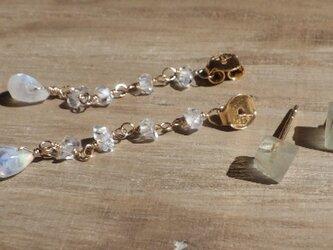 プレナイトの原石ピアス  ハーキマーダイヤモンド&ムーンストーンのバックキャッチ*vermail*の画像