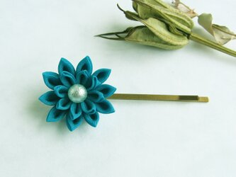 <送料無料>つまみ細工 お花のヘアピン ターコイズグリーンの画像