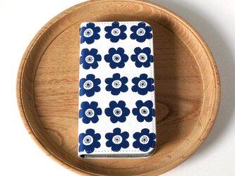 【iPhone 専用タイプ】帯なし*手帳型*スマホケース「anemone (deep blue)」の画像