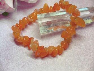 オレンジカルセドニー細石ブレスの画像