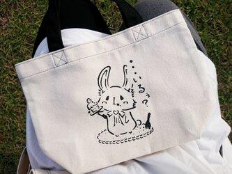 オリジナルトートバッグ【うさちゃん×持ち手Black】の画像