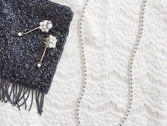 【セット】 ガラスパール の ネックレス と サージカルステンレスピアス セットの画像