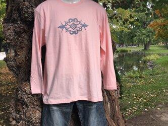 アイヌデザイン メンズ 長袖 コットンTシャツ ピンク ブルーグレープリント Lサイズの画像