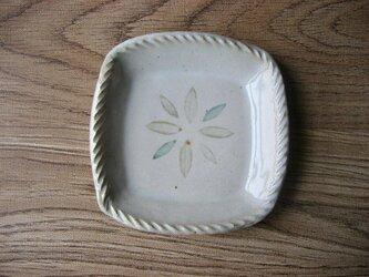 スリップ模様 角小皿の画像