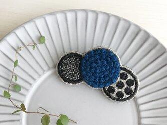 ふわもこ刺繍ドットブローチ(ブルー)【受注制作】の画像