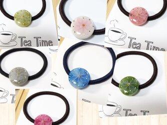 再販⭐︎選べる7種類!艶めきflowerミニヘアゴムの画像