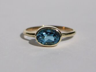 London blue topaz 8×6 Ringの画像