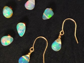 ☆★エチオピアンオパールのK18ピアス☆★イヤリング【Pio by Parakee】Etiopian opalの画像