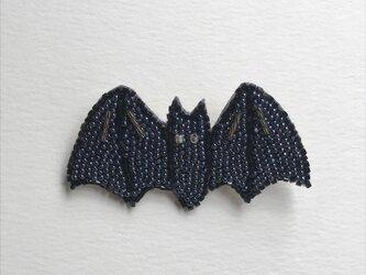 コウモリ ビーズ刺繡ブローチの画像