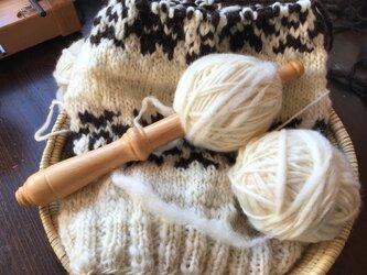 手紡ぎ毛糸の画像