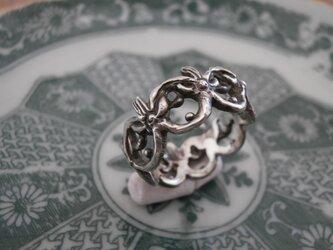 睡蓮の指輪の画像