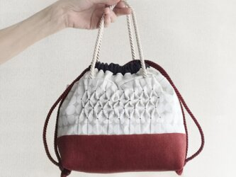 スモッキング刺繍2way巾着バッグ(エクリュ×ワインレッド)【受注制作】の画像
