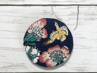 手刺繍浮世絵ブローチ*葛飾北斎「芍薬とカナリア」よりの画像