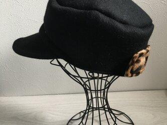 ブラックウールのワークキャップ(ヒョウ柄)の画像