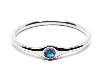 小粒の海色ブルーダイヤモンドPt900ミニマムリング【Pio by Parakee】Platinum diamondの画像