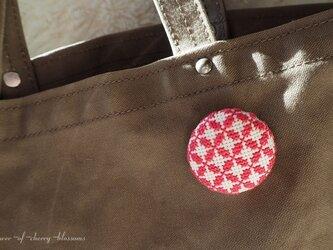 刺繍 クロスステッチ ブローチ『4』の画像
