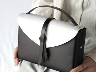 2way レザーボックスバッグ スリム #黒x白/ box bag slim #black x whiteの画像