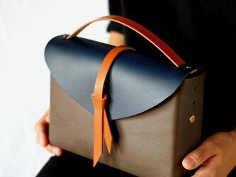 2way レザーボックスバッグ スリム #D.グレーxネイビーxキャメル/ box bag slimの画像