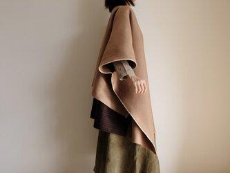 重ねて楽しい 2way ポンチョ コート / ウール カシミヤ モッサ【 キャメルベージュ 】 プルオーバーの画像