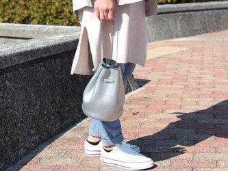 綺麗なシルエットの巾着バッグ ミニマム 本革 シルバーma-02ssの画像