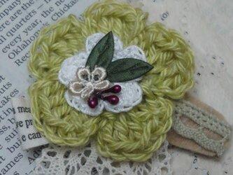 ヘアアクセ(ヘアピン)緑のお花の画像