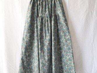 花模様をまとう細コーデュロイのティアードスカート(小花レトロ:ペパミント)の画像
