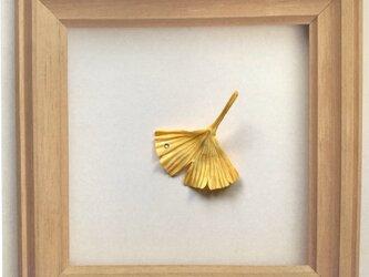 イチョウのピンバッチの画像