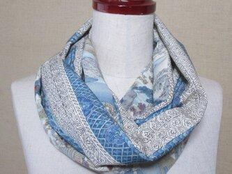 着物リメイク ブルー系、手織り紬×時代人物風景の着物から作ったスヌードの画像