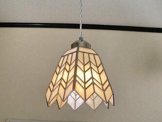 ホワイトのヘリンボーン(ステンドグラスペンダントライト)吊り下げ照明・ガラス Lサイズ・37の画像