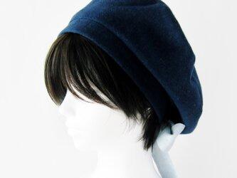 リバーシブルのリボン付ベレー帽 サイズ調整可能 紺フランネルとライトグレーにパンダのダブルガーゼ (BNR-001-KGP)の画像