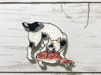 手刺繍浮世絵ブローチ*歌川国芳「猫飼好五十三疋 由井」の猫の画像