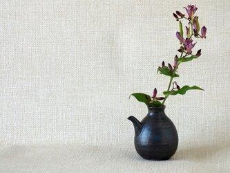 黒釉注器の画像