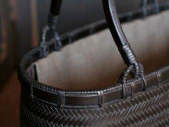 網代編みバッグの画像