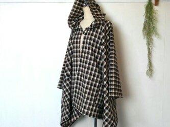 柔らかウール チェック ポンチョ ~ 良質生地 羽織る ケープ ジャケットの画像