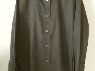 麻綿混の焦げ茶色のシャツ(1)の画像