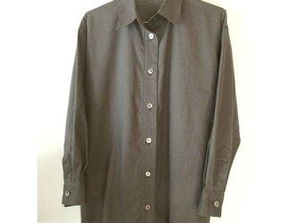 麻綿混の焦げ茶色のシャツ(2)の画像