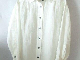 上質のベルギーリネンの白いシャツ(2)の画像