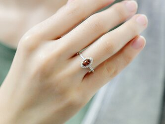 恋の成就 実りを象徴する石 VVSランクガーネットのリング フリーサイズ 1月誕生石の画像